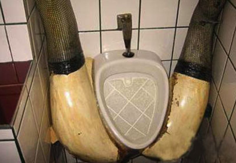 Body part urinal